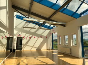 Blick in das Lichtdurchflutete Tanzstudio 2